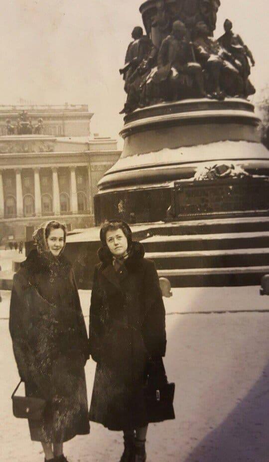 Ленинград Здесь маме 25 лет (1959 год)